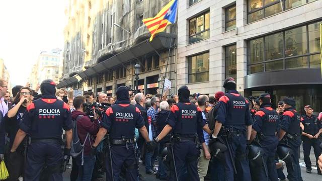 Interior redobla el refuerzo policial en catalu a enviando for Nombre del ministro de interior y policia