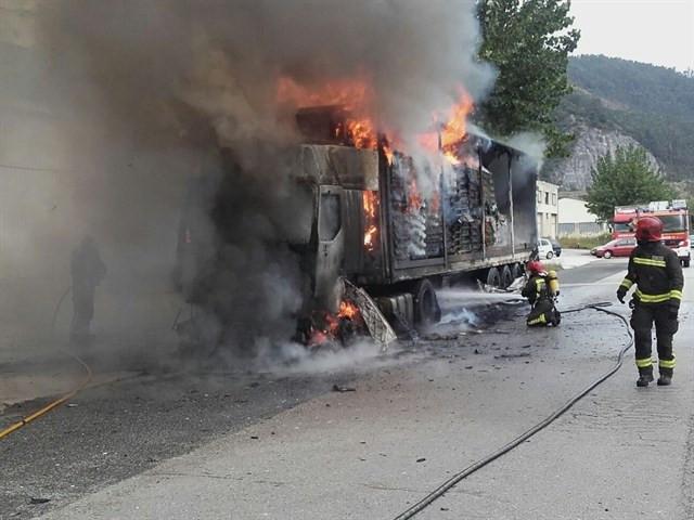 Camioncueroincendio