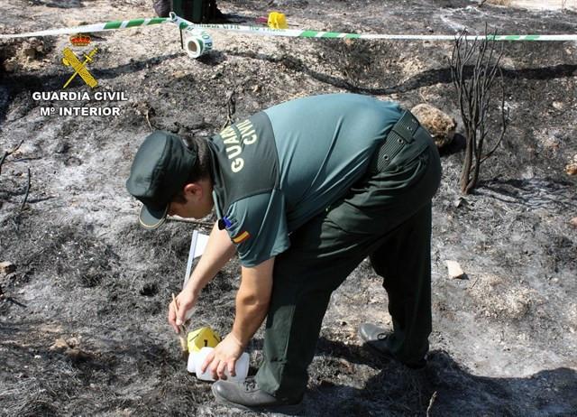 Investigacionincendioguardiacivil