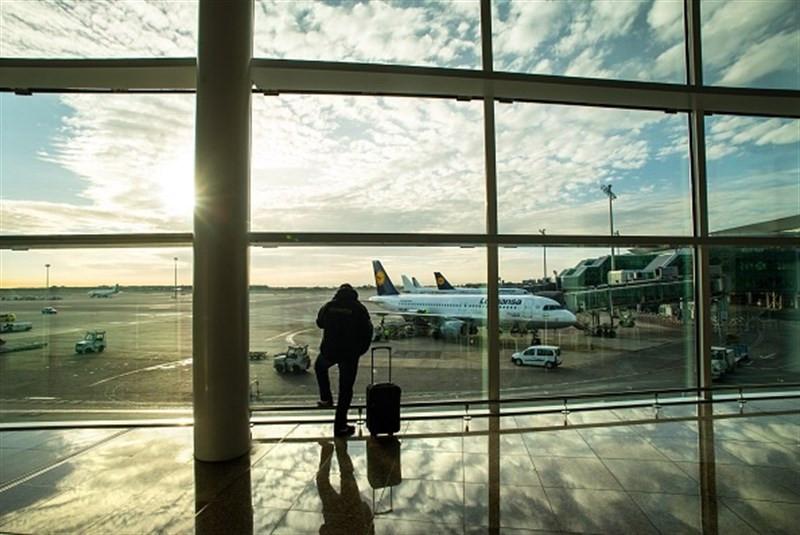 Viajeroaeropuertoemigracion