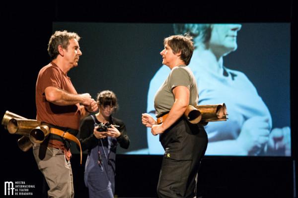 Chu00e9vere representando Curva Espau00f1a en Festival de Ribadavia en una foto de la Mostra Internacional