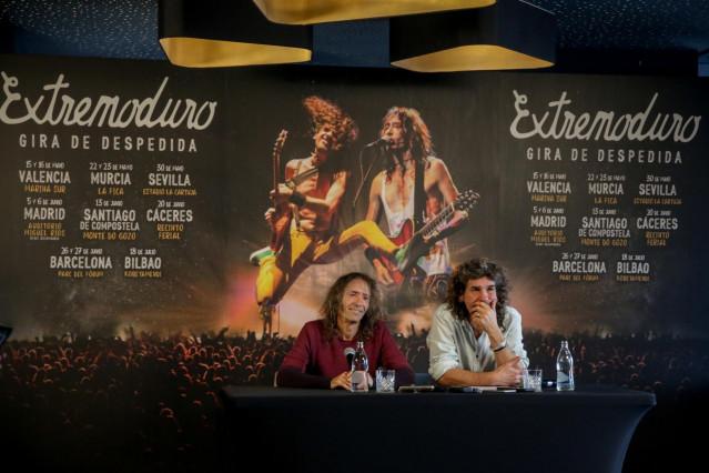 Roberto Iniesta e Iñaki 'Uoho' Antón de Extremoduro