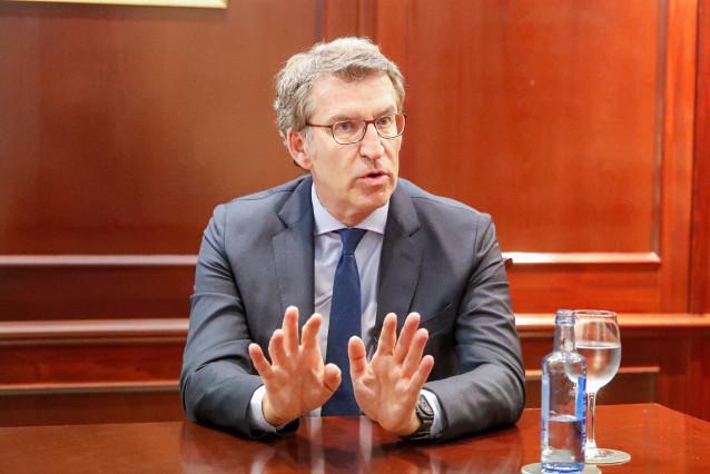 El presidente de la Xunta de Galicia y candidato a la reelección por el PP, Alberto Núñez Feijóo, durante una entrevista para Europa Press, en Vigo, Pontevedra, Galicia (España), a 30 de junio de 2020.