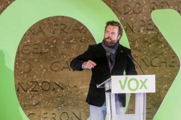 El portavoz de Vox en el Congreso de los Diputados, Iván Espinosa de los Monteros interviene en un mitin del partido de Vox, en la Plaza de Colón, en Madrid (España), a 8 de noviembre de 2019.