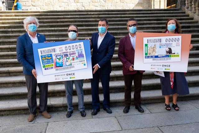 Presentación de los cupones de la ONCE dedicados al Día de Galicia y a la accesibilidad del Camino de Santiago