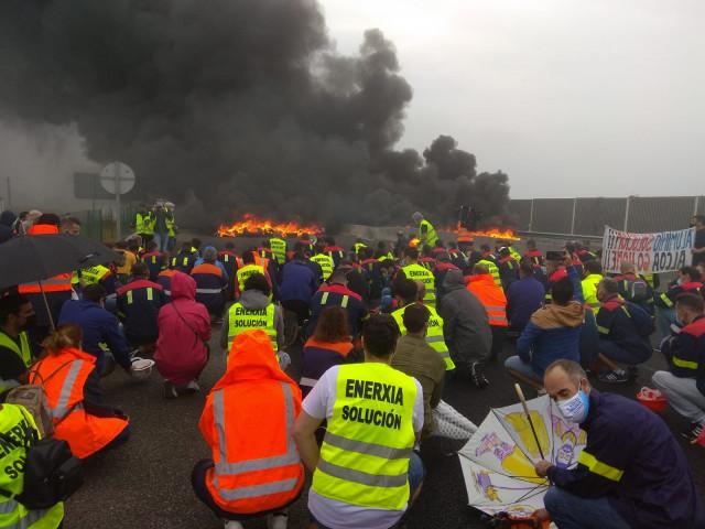 Protesta de trabajadores de Alcoa