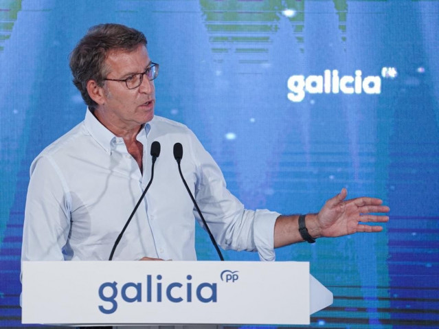 Feijóo interviene ante la Junta Directiva del PPdeG en A Coruña.