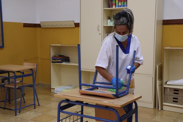 Limpieza y desinfección en colegios