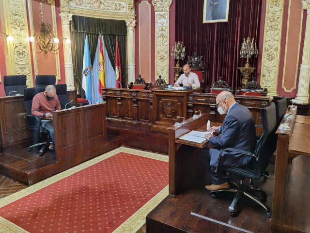 Archivo - Junta de gobierno local del Ayuntamiento de Ourense con el alcalde, Gonzalo Pérez Jácome, y dos ediles