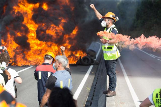 Archivo - San Cibrao, Lugo. Protesta de trabajadores de Alcoa este lunes